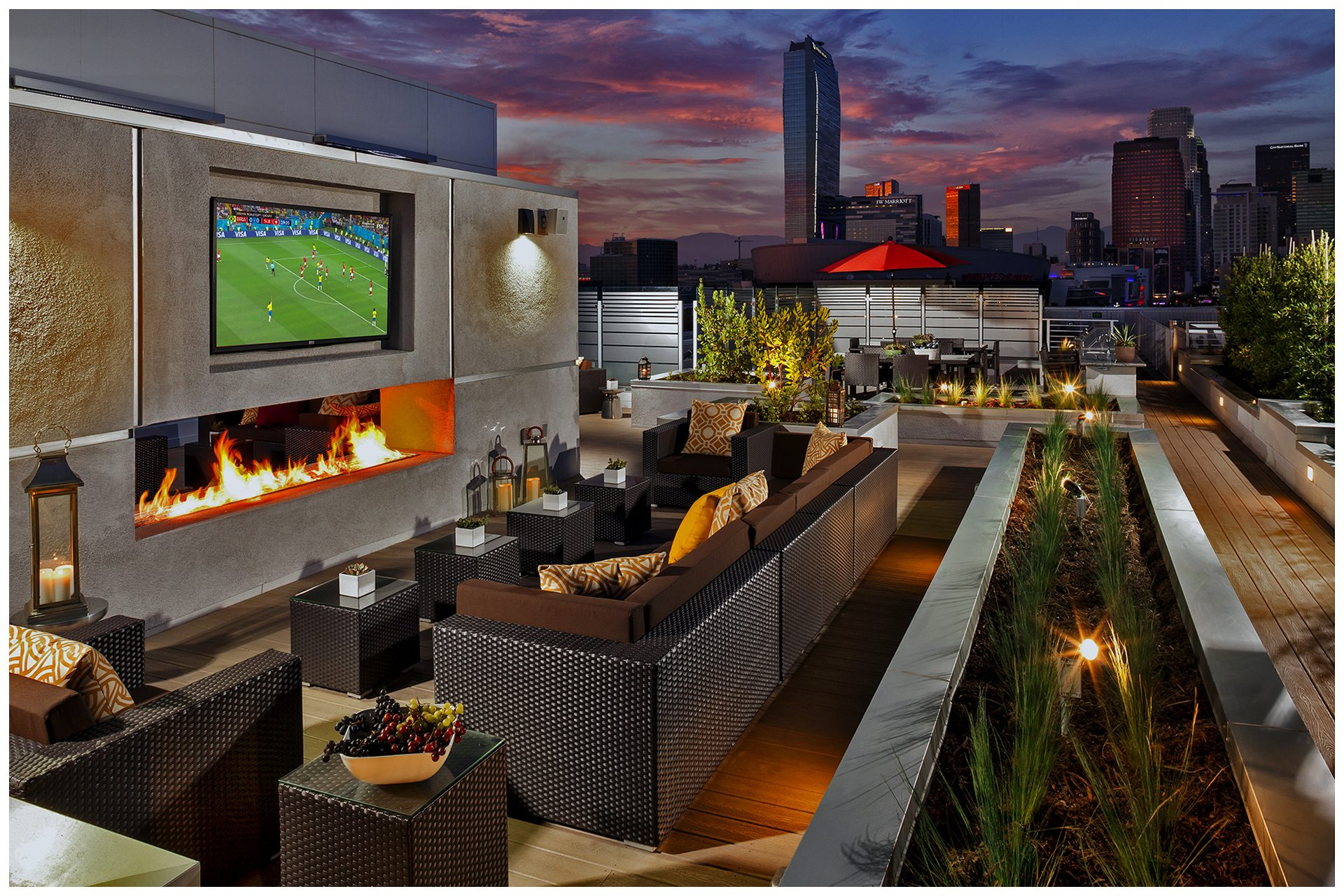 ROOFTOP/SKY DECK PROVISIONS Roof-top Audio Video & Enterprise WiFi; Audio & TV provisions controlled via a local iPad and remotely from leasing office.