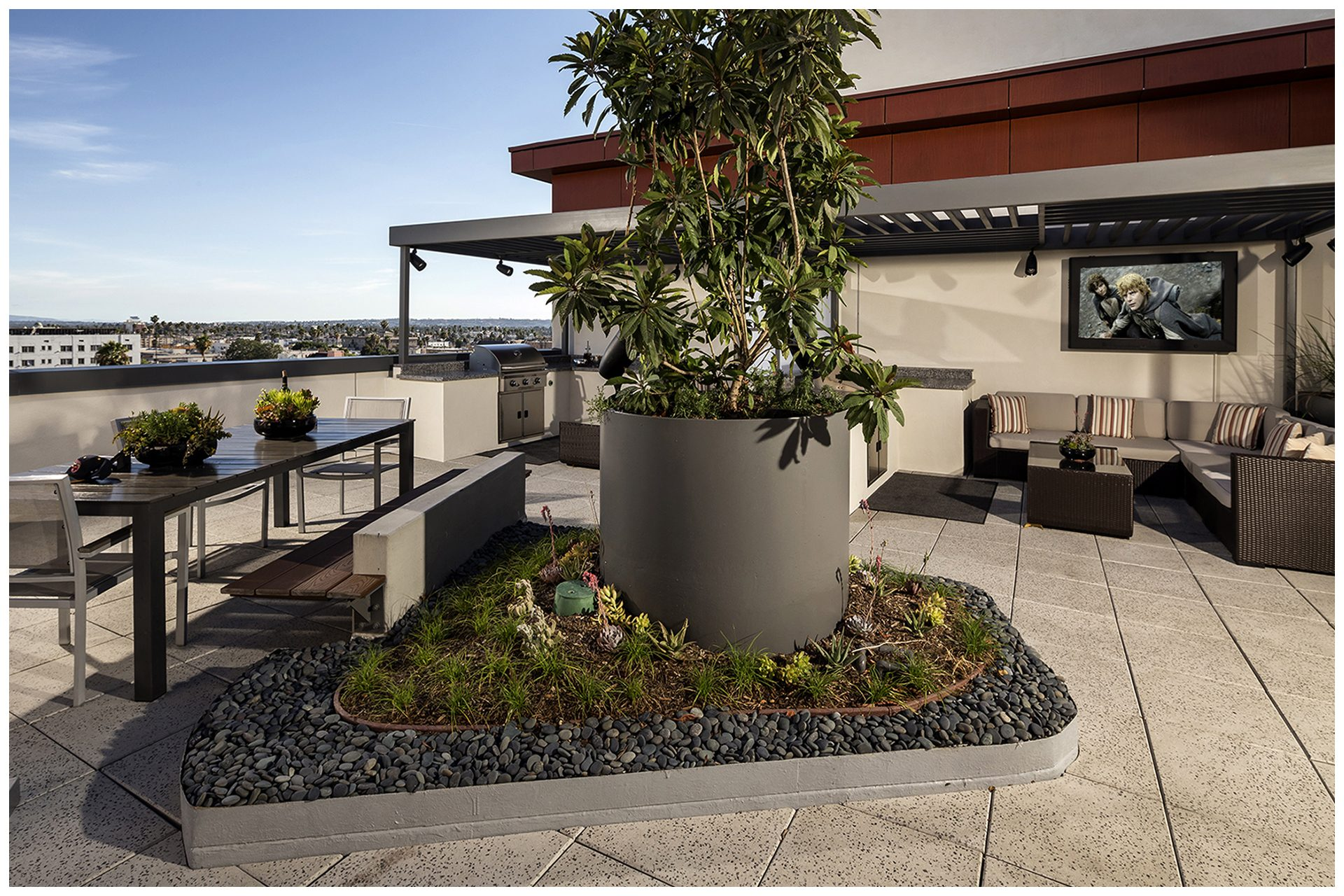ROOFTOP/SKY DECK PROVISIONS Roof-top Audio Video & Enterprise WiFi; Audio & TV provisions controlled remotely from leasing office.