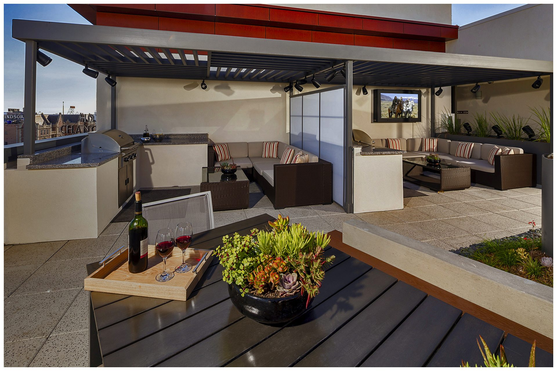 ROOFTOP/SKY DECK PROVISIONS Roof-top Audio & TV & WiFi; AV provisions controlled from leasing office.