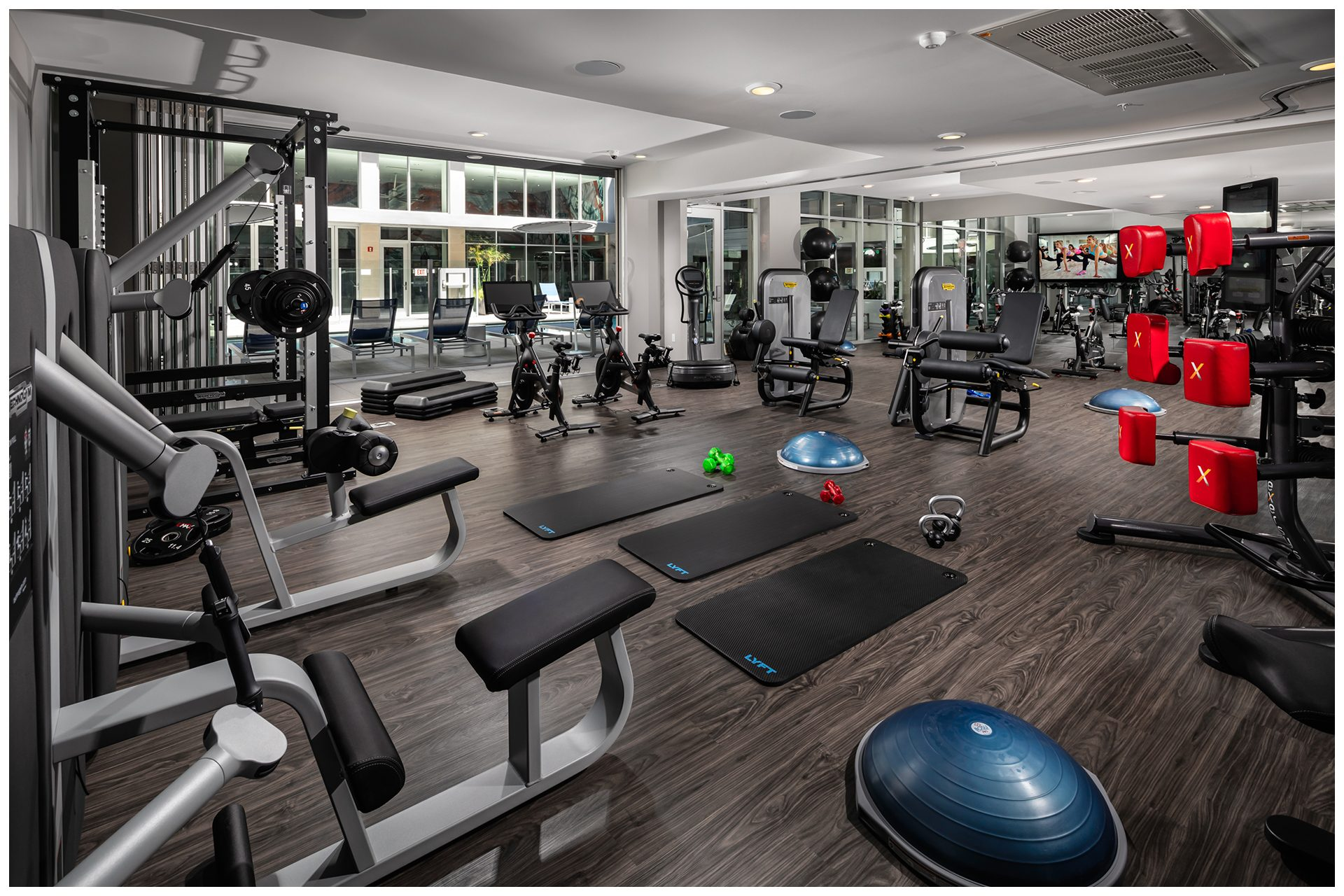 GYM AV PROVISIONSGym Audio & TV & WiFi. Audio Video provisions are controlled via an in-room wall-mounted iPad and remotely from leasing office iPad.
